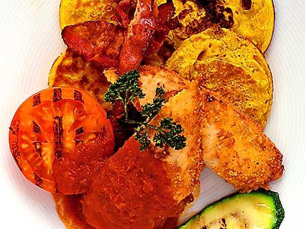 Friterad kyckling med majsplättar och bacon