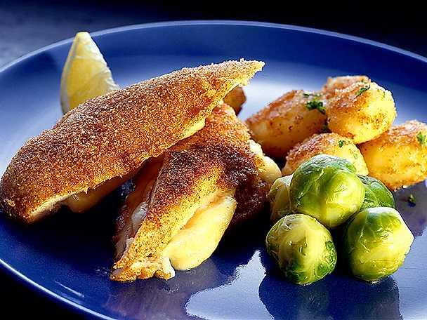 Friterade kycklingfiléer med ostfyllning