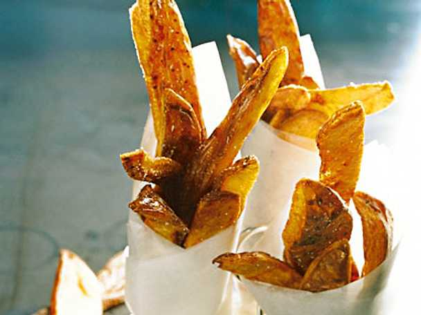 Friterade potatisskal med pepparrotsdipp