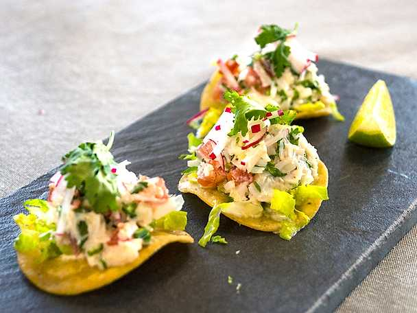 Friterade tortillas med krabbröra