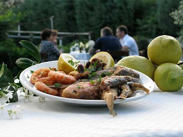 Frittura di pesce- friterad fisk och calamari
