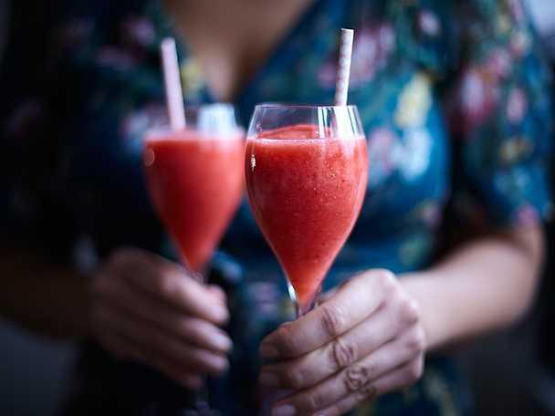 Frossé - drink med rosévin och jordgubbar