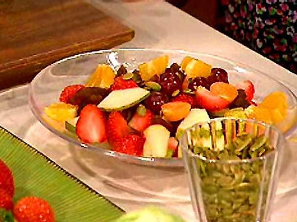 Frukt- och nötsallad