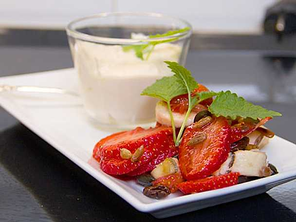 Fruktsallad med flakebergkräm