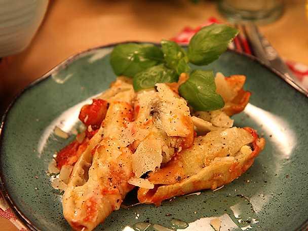 Fyllda pastasnäckor med aubergine, mozzarella och ricotta