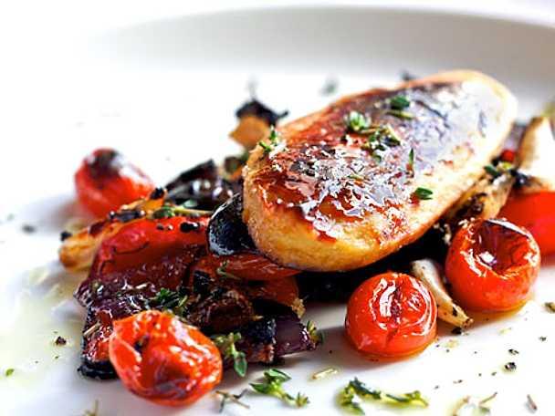 Glaserade quornfiléer med ugnsrostade grönsaker