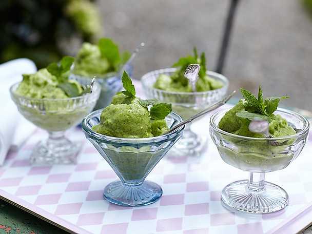 Glass på gröna ärtor