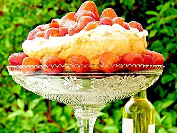Glömd maräng med jordgubbar