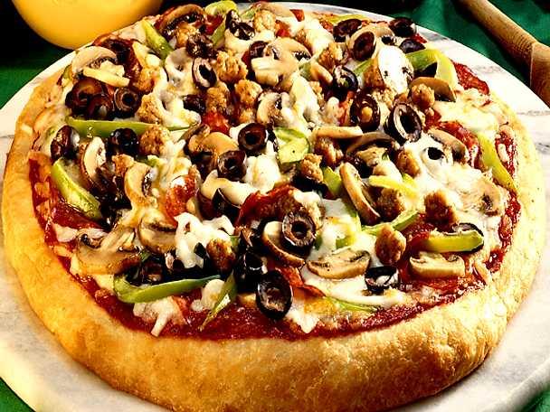 Glutenfri panpizza med salami och fläskfärs