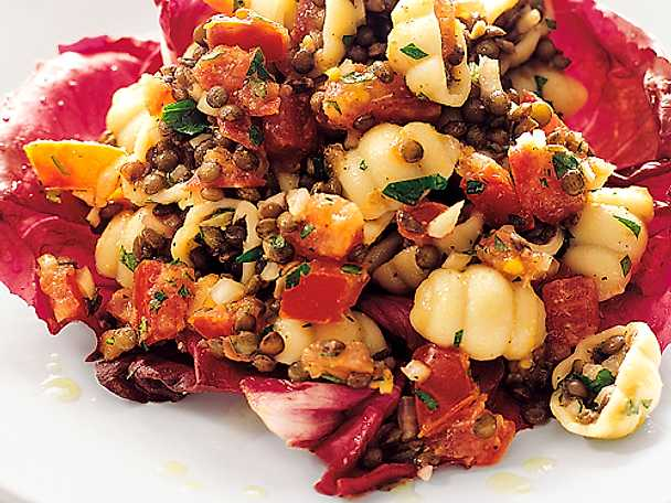 Gnocchi med linser och tomat i parmesanolja