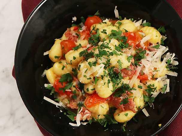 Gnocchi med salsiccia, tomat och chili