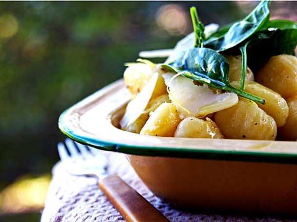 Gnoccisallad med citron och parmesan