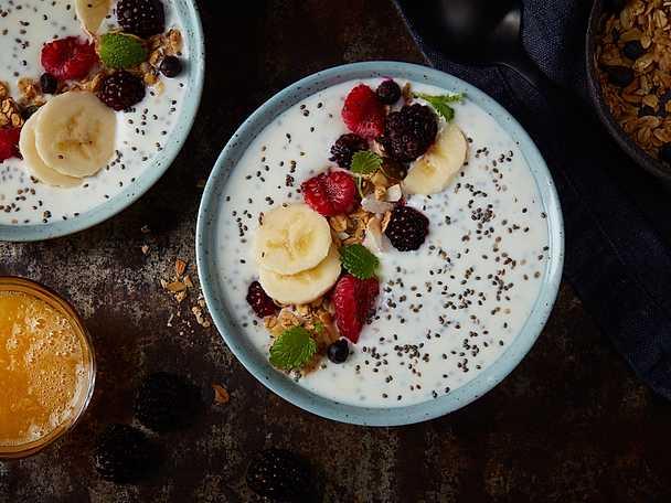 God Morgon Exotisk smoothiebowl med chiafrön