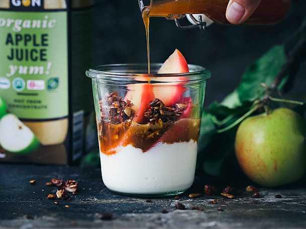 God Morgon Varma äpplen med yoghurt