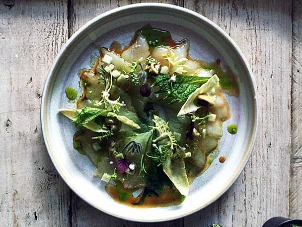 Gössashimi med ostron, kål och riktigt god dressing