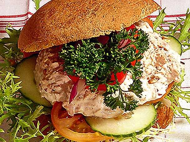 Grahamsbröd med tonfisk