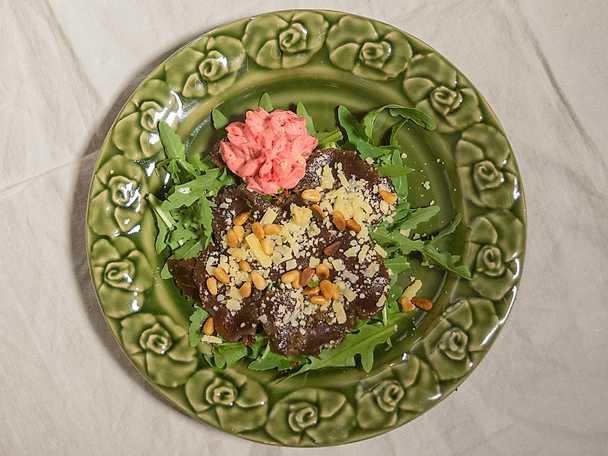 Gravad renfilé med lingonmousse