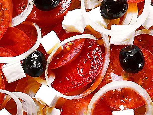 Grekisk ostsallad med mild dressing