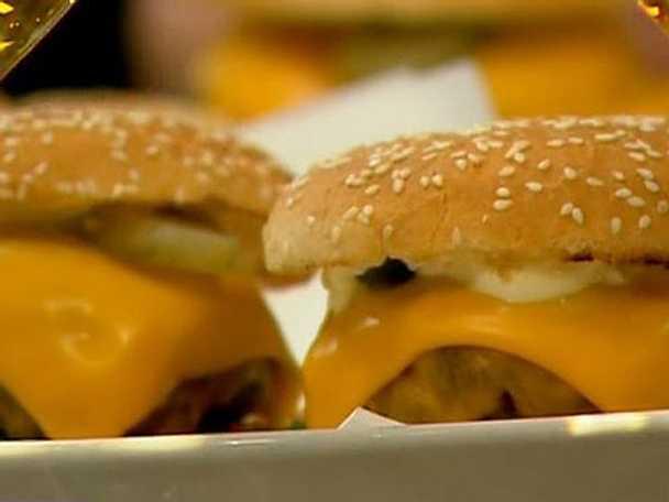 Grillad amerikansk cheeseburgare