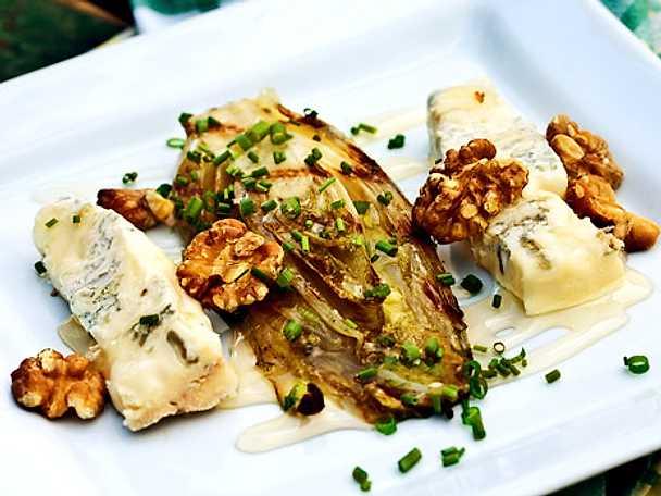 Grillad endiv med gorgonzola