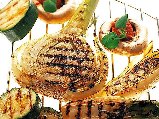 Grillad fänkål, endive, zucchini och champinjoner