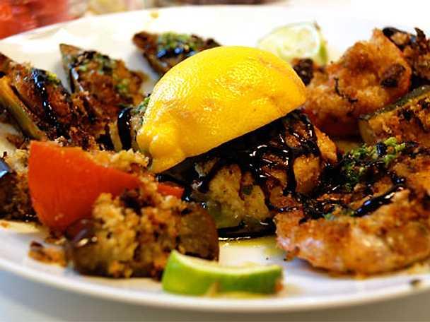 Grillad fisk på Medelhavsvis