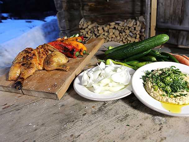 Grillad kyckling med varm hummusdip