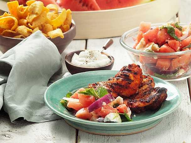 Grillad kycklinglårfilé med melonsallad och yoghurtsås