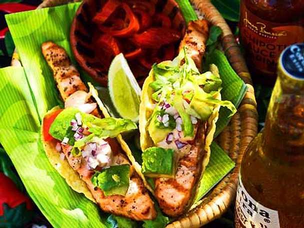 Grillad lax i tacoskal