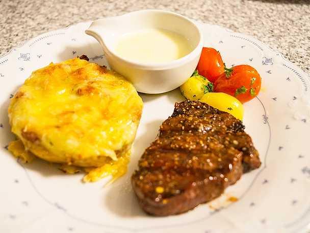 Grillad oxfilé med twice baked potato