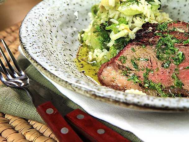 Grillad picanha med stekt salladsris