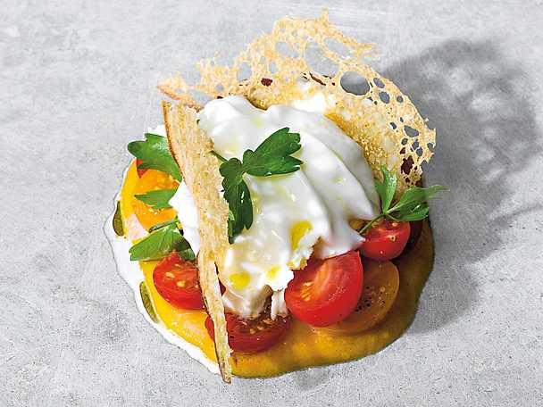 grillad tomatkram med mozzarella och brödchips