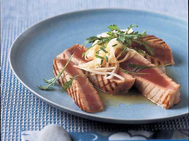 Grillad tonfiskkotlett med daikondressing