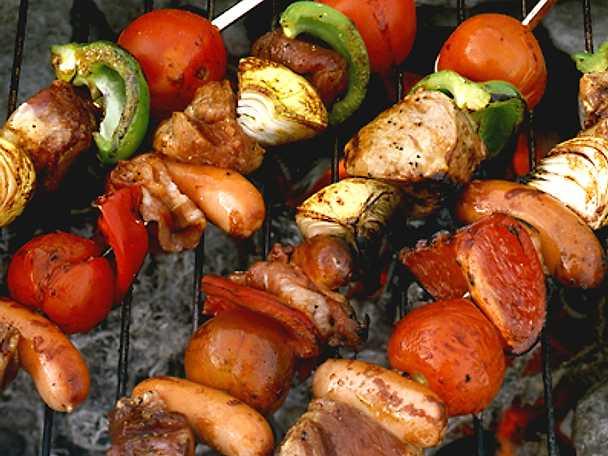 Grillspett med fläskfilé och bacon