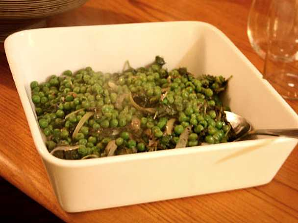Gröna ärter med färsk mynta