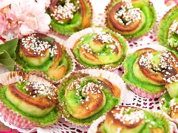 Gröna bullar med mandelmassa