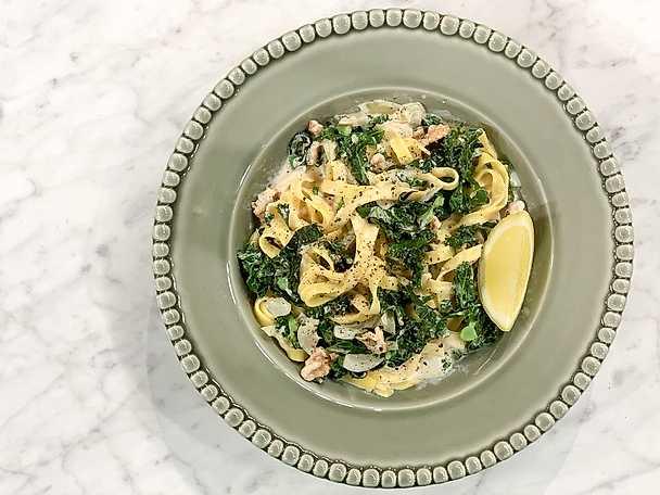 Grönkålspasta med parmesan