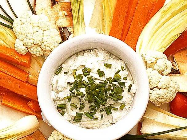Grönsaker med roquefortdipp