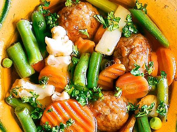 Grönsakssoppa med frikadeller
