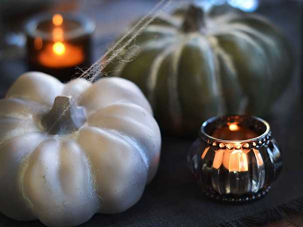 Halloween dukningstips pumpor