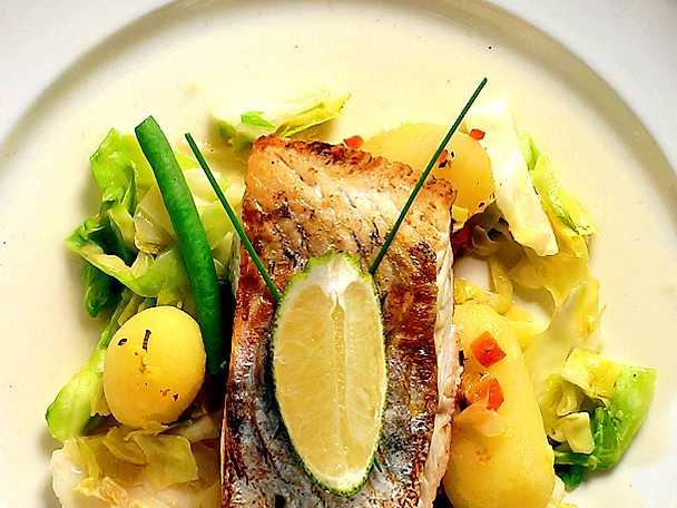 Halstrad fiskfilé med spetskål