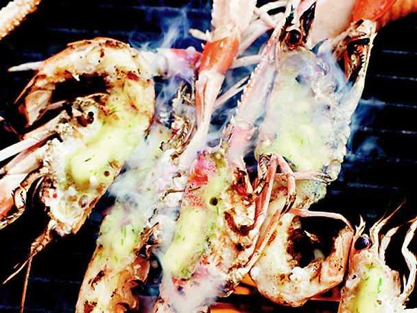 Havskräftor med citron- och dragonsmör