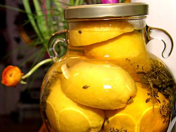 Hela inlagda citroner