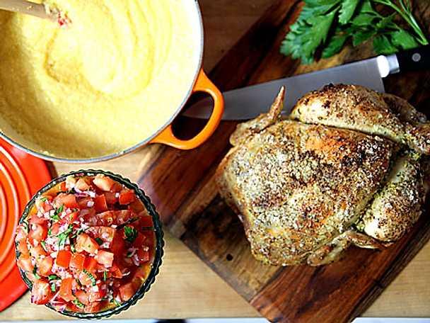 Helgrillad kyckling med polenta och salsa