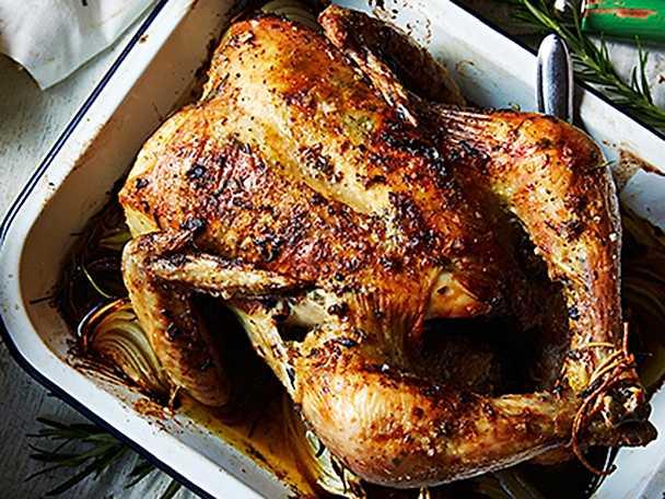 Helrostad kyckling med rosmarin- och citronsmör