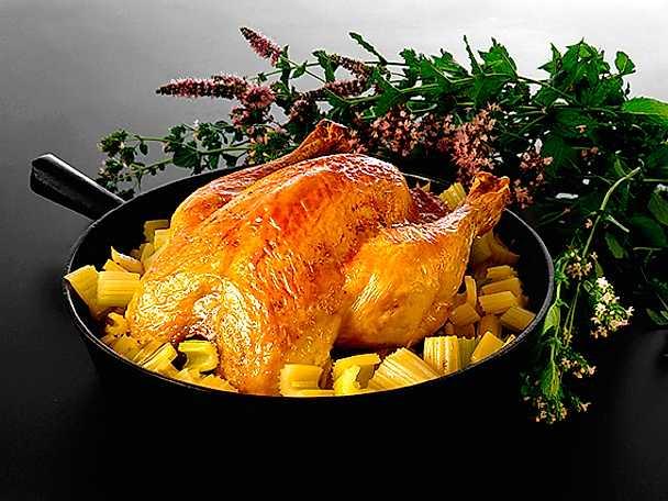 Helstekt kyckling med blekselleri och mynta