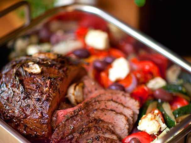Helstekt rostbiff med fetagrönsaker