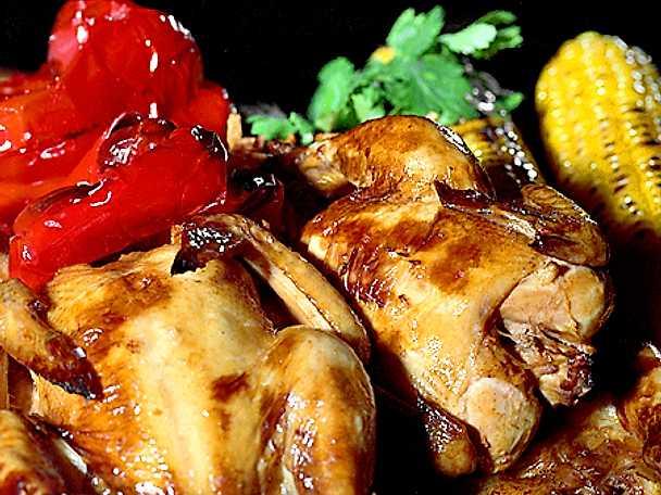Helstekt vårkyckling med majs- och ostdipp