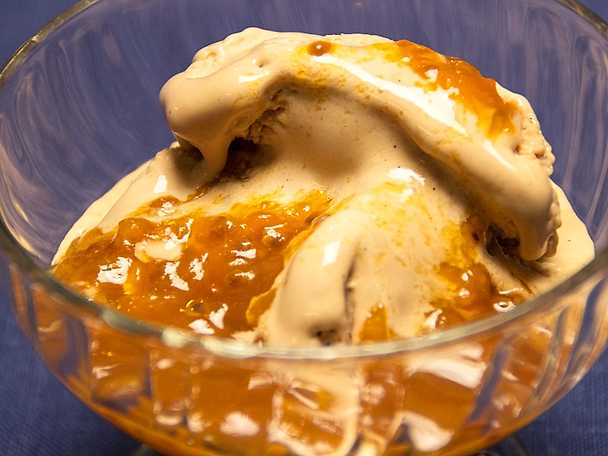 Hemgjord glass med hjortron