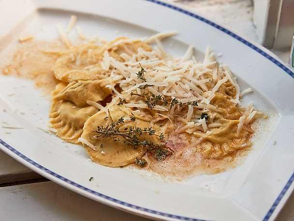 Hemlagad ravioli med ricotta, spenat och karljohan